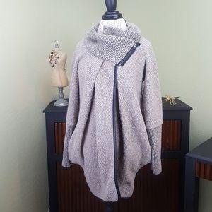 Amuleto Sweater Jacket